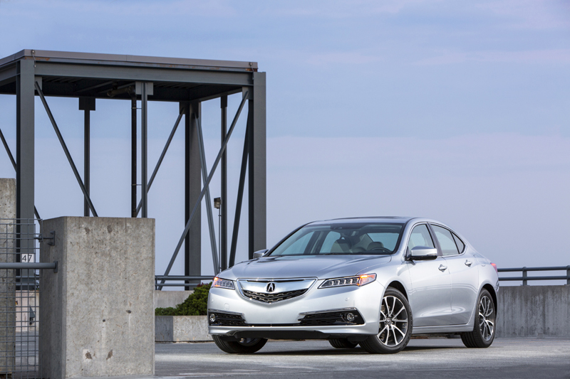 2015 Acura TLX Earns 2014 IIHS