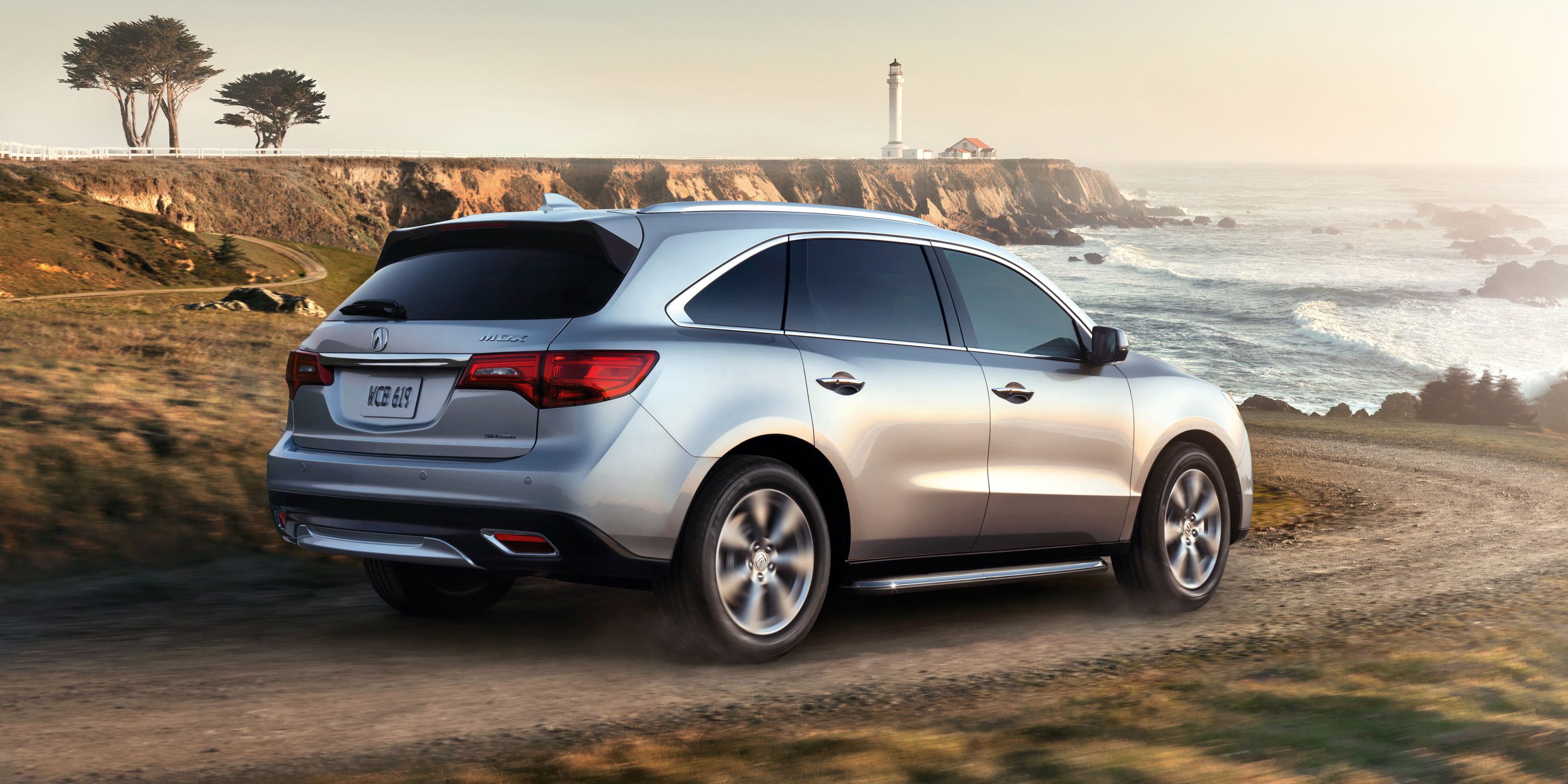 2015-mdx-exterior-sh-awd-with-advance-and-entertainment-packages-and-accessories-in-silver-moon-cliffs-shore-5_hires